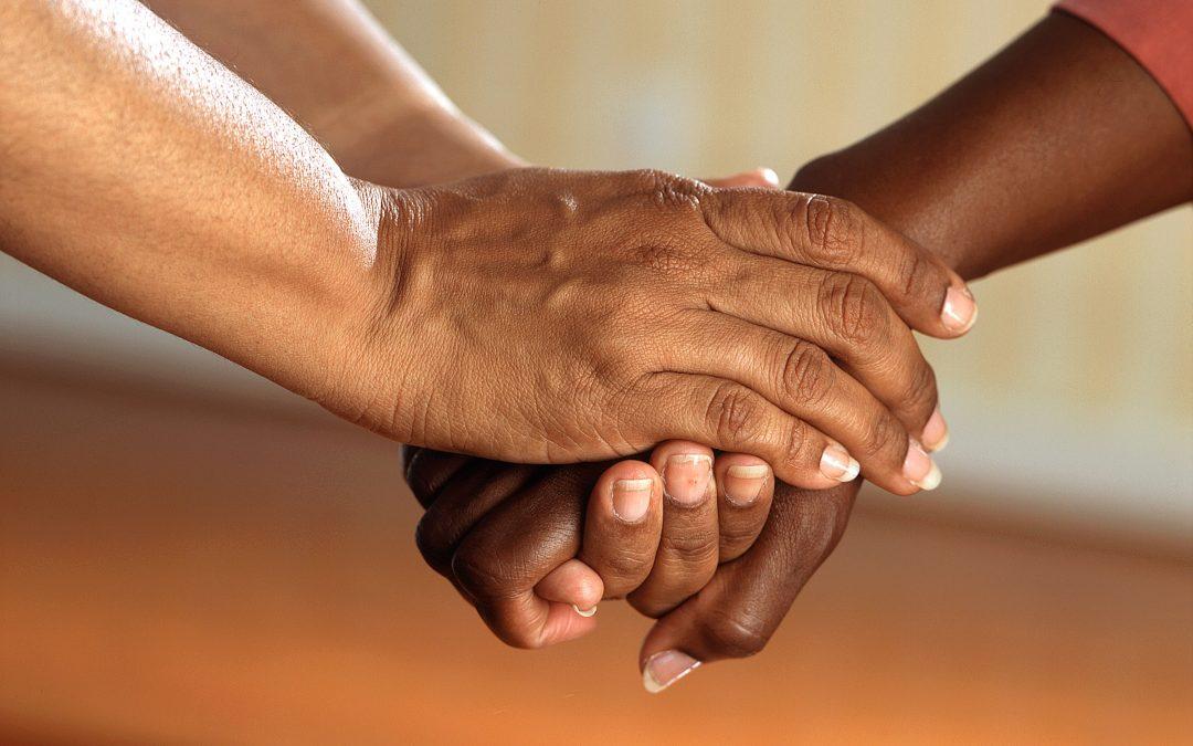 Las tareas propias cuidador de personas dependientes